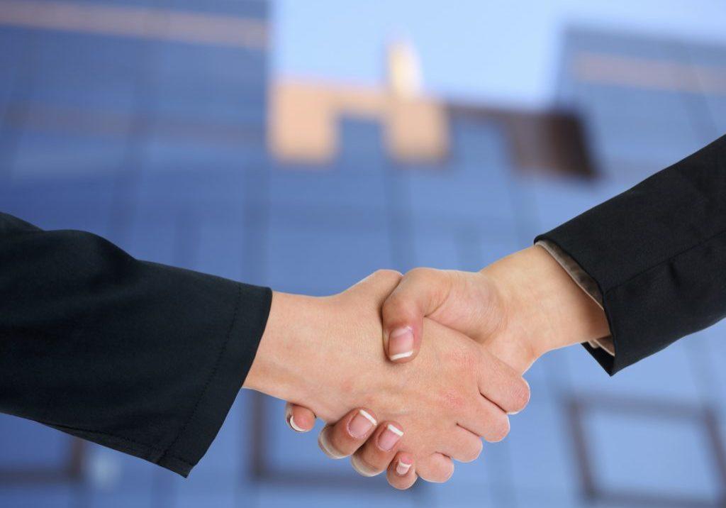 avtaleinngåelse og avtaletolking i kontraktsforhold.